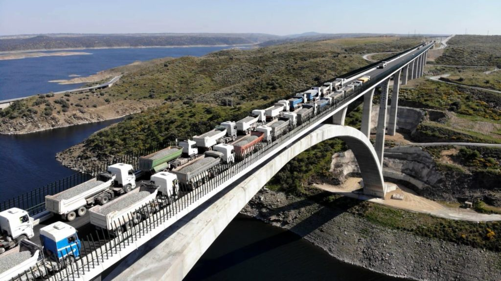 Physical load testing of Viaducto del Tajo, Cáceres, Spain (2019)